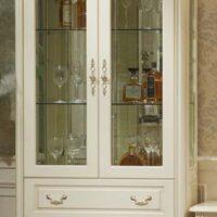 Витрина Милано 8803-В MK-1841-IV 2-дверная (цвет патины: золото) 110х46х215 см Слоновая кость 1 шт. в 6 кор.